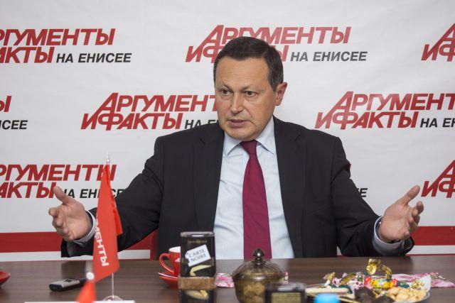 Эдхам Акбулатов занимал пост мэра Красноярска с 2012 по 2017 год.