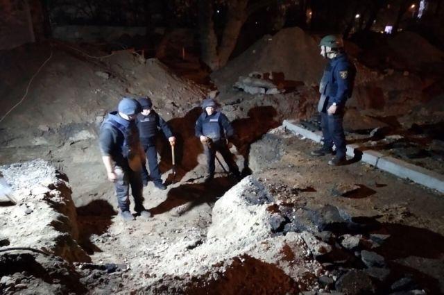 Возле Шулявского моста в столице обнаружили боеприпасы: детали