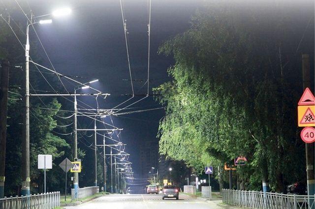 На ремонт и строительство наружного освещения в Брянске в этом году направлено более 100 миллионов рублей.