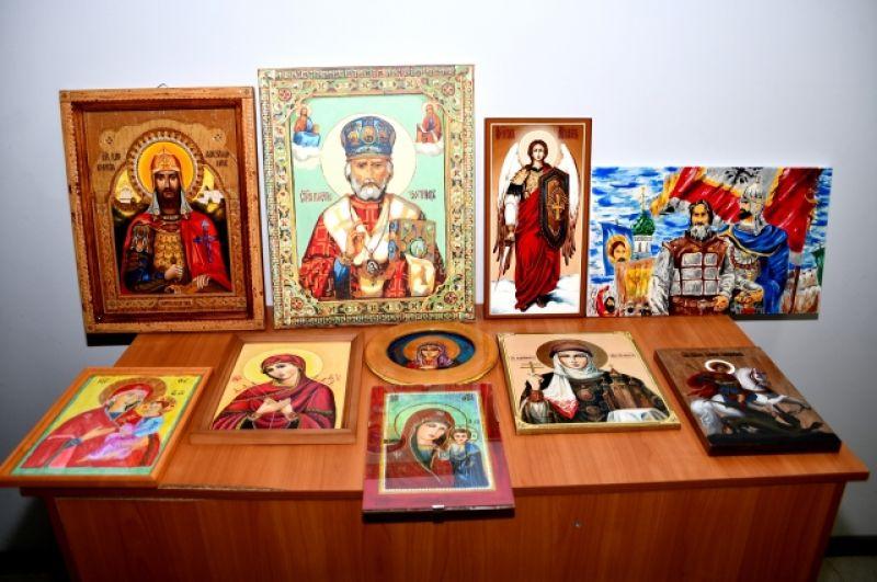 Икону Александра Невского осуждённого Мешкова представят на ежегодных Рождественских чтениях в Москве. Эксперты уверены, у работы есть все шансы на победу.
