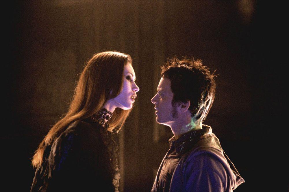«Париж, я люблю тебя» (2006) — вампирша.
