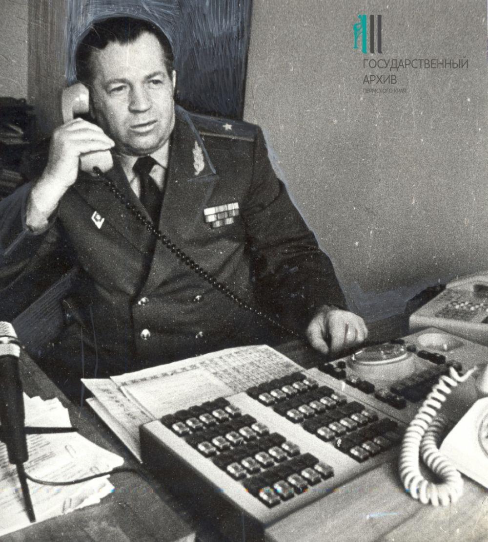Начальник УВД Пермской области, генерал-майор милиции В.И.Шинкаренко, 1986 год.