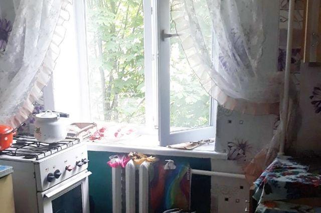 Полиция расследует обстоятельства самоубийства школьницы в Киеве
