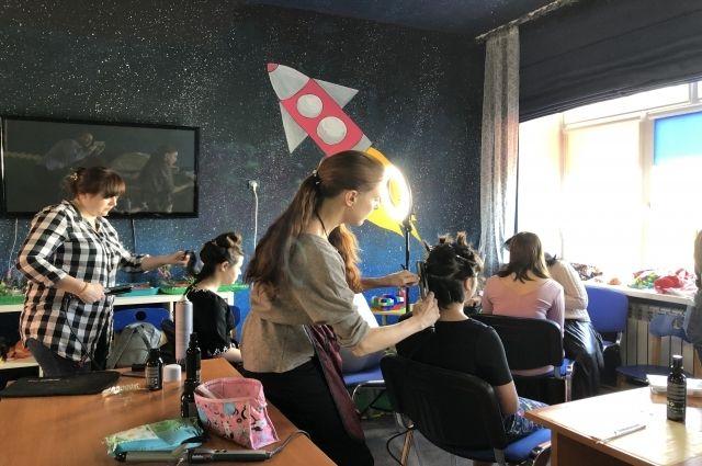 Девочки из Дома «Борки» стали участницами волонтерского фотопроекта