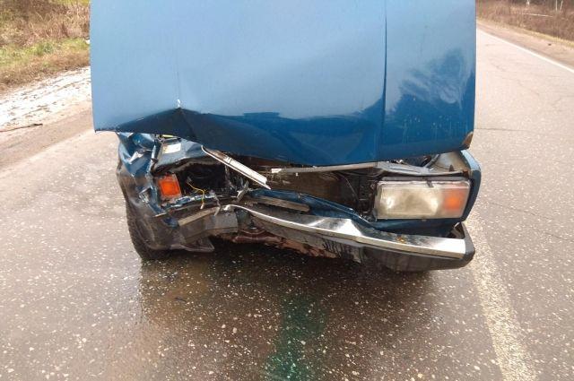 В Удмуртии при столкновении легковушек пострадали пять человек