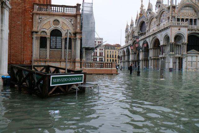 В лагуне Венеции два человека погибли из-за непогоды