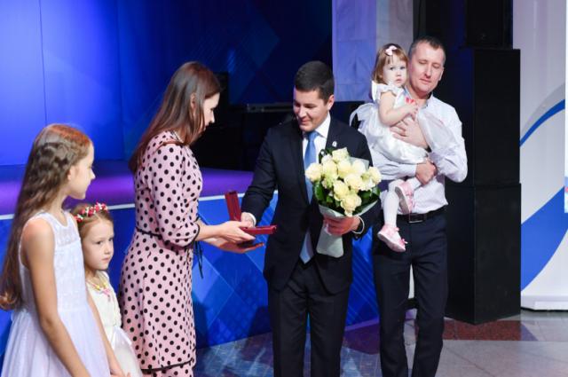 Многодетные жительницы Ямала получат материнский капитал за каждого малыша