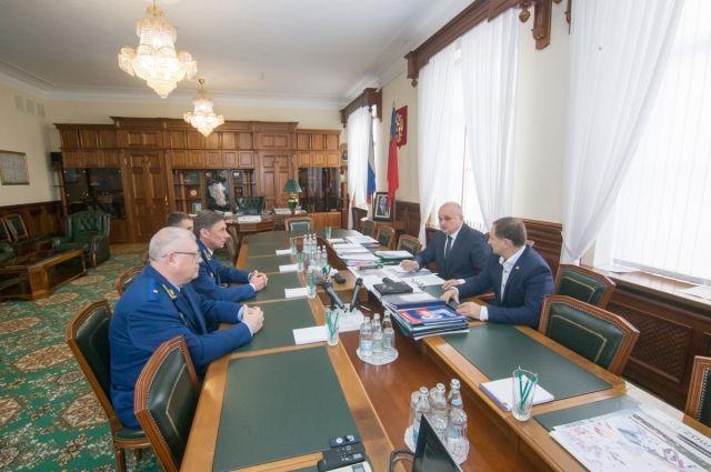 В Кузбасс с срабочим визитом приехал заместитель генпрокурора Николай Шишкин.