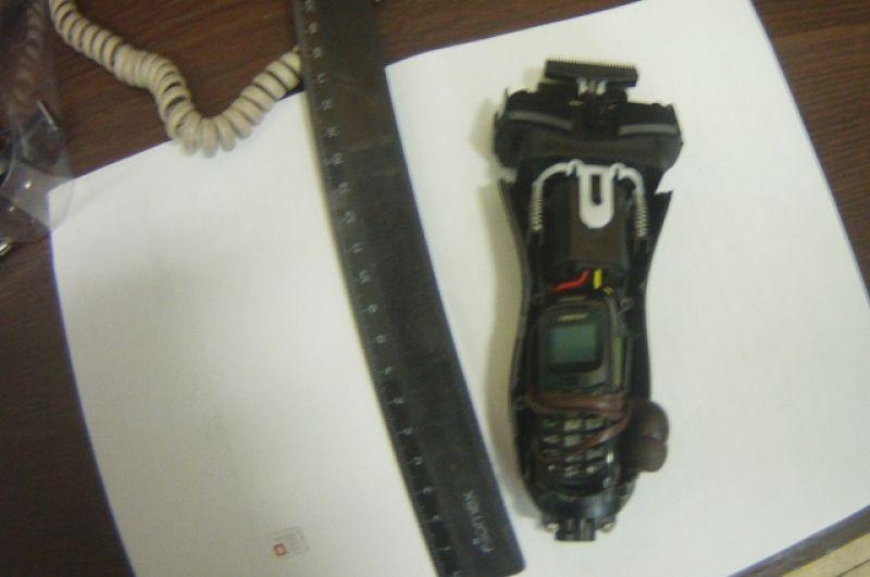 Тоже  в марте 2019 года сотрудники пермского СИЗО-1 обнаружили и изъяли сотовый телефон и сим-карту, спрятанные в рукоятке электробритвы.