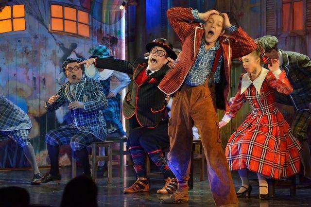 Мир музыкального театра создан и для взрослых, и для детей.