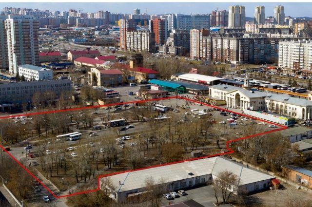 Архитекторы справедливо считают, что площадь перед бывшим аэровокзалом деградирует.