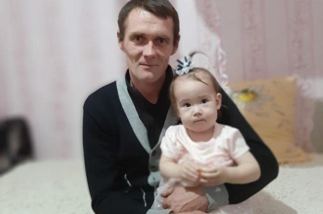 Механизатор ООО«Хузангаево» Денис Чапурин спас годовалую Ралину.
