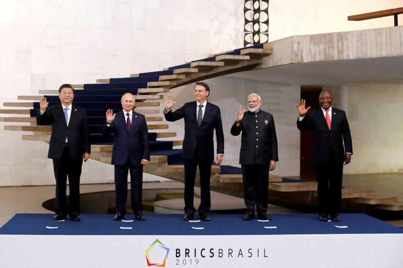 Лидеры стран-участниц саммита БРИКС: Си Цзиньпин, Владимир Путин, Жаир Болсонару, Нарендра Моди и Сирил Рамафоса.