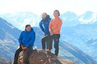 На Кавказ Эдуард Штелле (крайний справа) попал впервые. Исразу– напятитысячник. Эльбрус, 7 августа 2019 г.