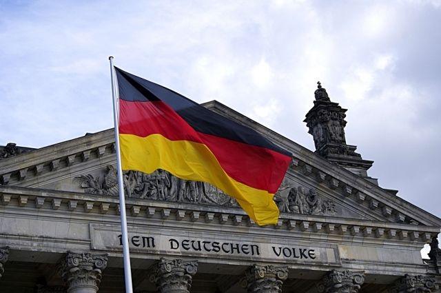 Депутат парламента Германии назвал НАТО «тенью самой себя»