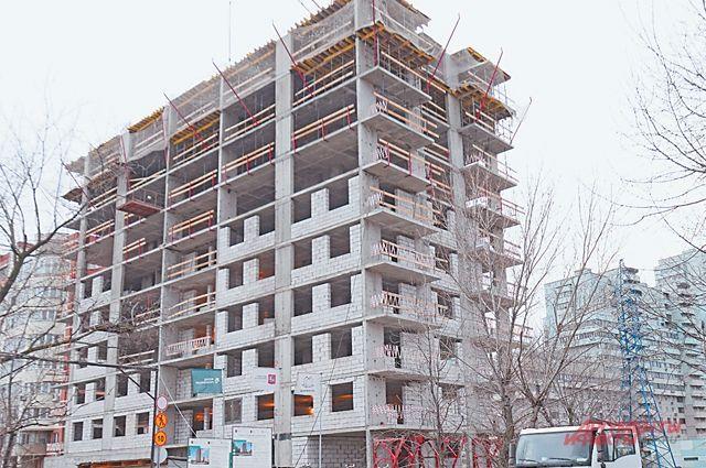 Строительство стартового дома напересечении улиц Гарибальди иАрхитектора Власова идёт полным ходом.
