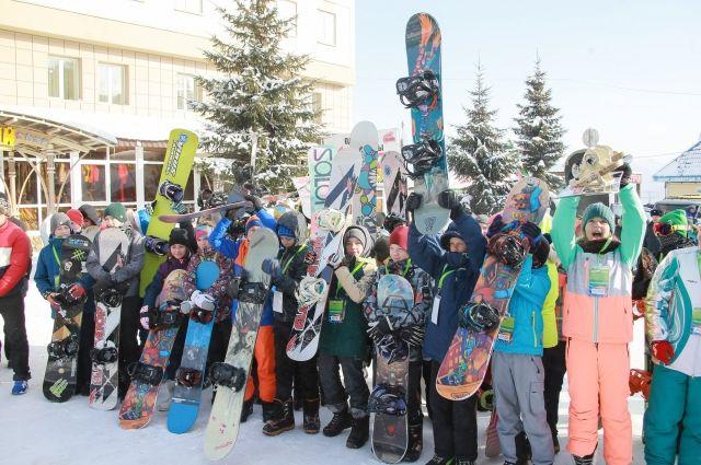 Официально горнолыжный сезон на зеленой открылся 16 ноября.