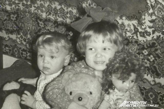 Ещё несколько десятилетий назад снимки были редкостью и хранились исключительно в семейных альбомах.
