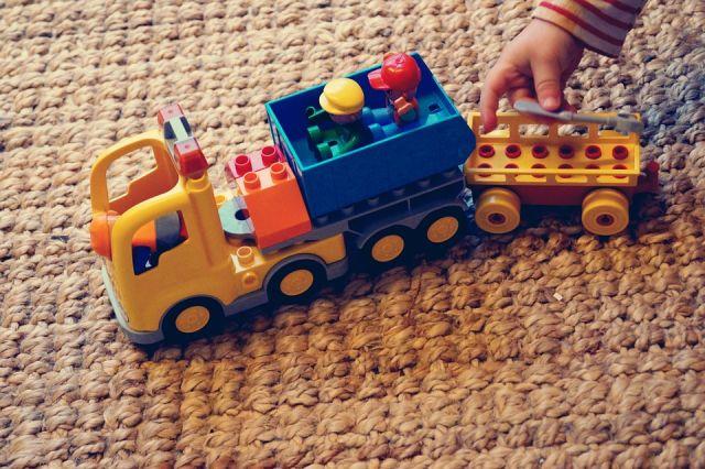 В Орске прокуратура нашла нарушения в детских игровых комнатах.
