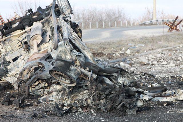 Автомобиль, подорвавшийся в Донбассе.