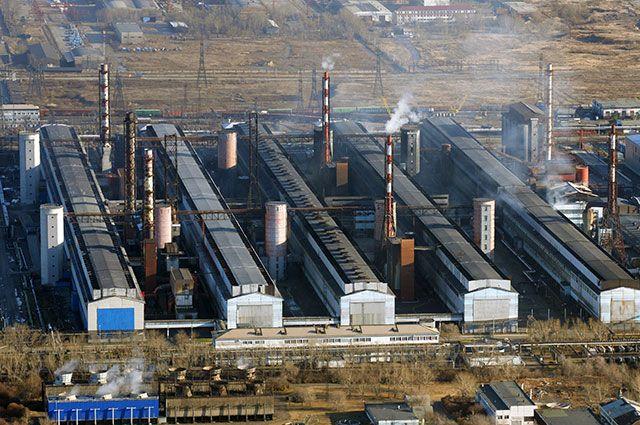 Цеха Красноярского алюминиевого завода компании «Русал» наокраине Красноярска.