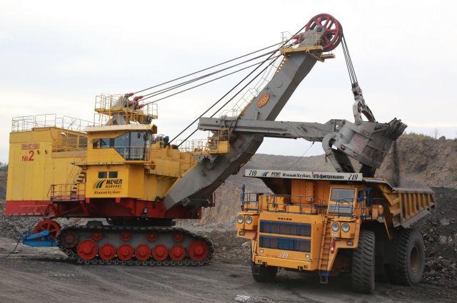 Уровень добыча угля на шахтах увеличился, а на разрезах, наоборот, снизился.