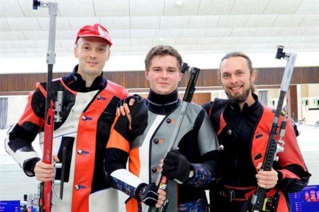 Сергей Каменский (справа)