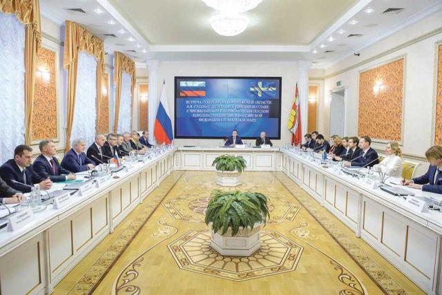 Встреча губернатора с делегацией Швеции состоялась в областном правительстве.