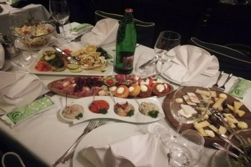 Сербская кухня - одна из лучших в Европе.