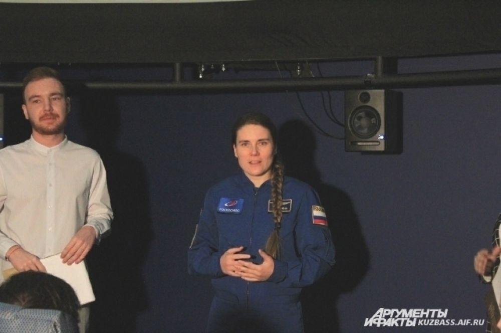 Российский космонавт-испытатель Анна Кикина является единственной женщиной в отряде космонавтов Роскосмоса.