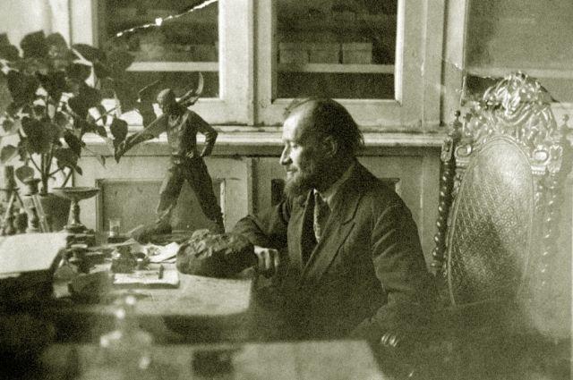 Активнейшая пора научной деятельности связана с Омском, в 1918 – 1940 годах он работал в высших учебных заведениях города.