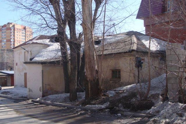 У вытрезвителя Калининского района история романтическая: здесь неделями терялись некоторые товарищи.