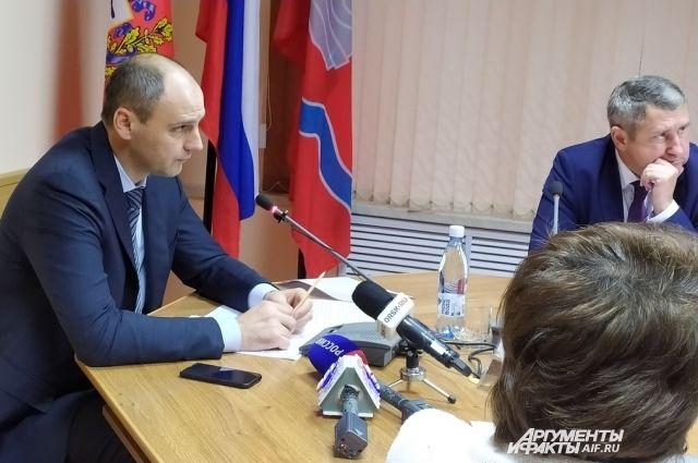 В Новотроицке губернатор Денис Паслер посетит два предприятия.