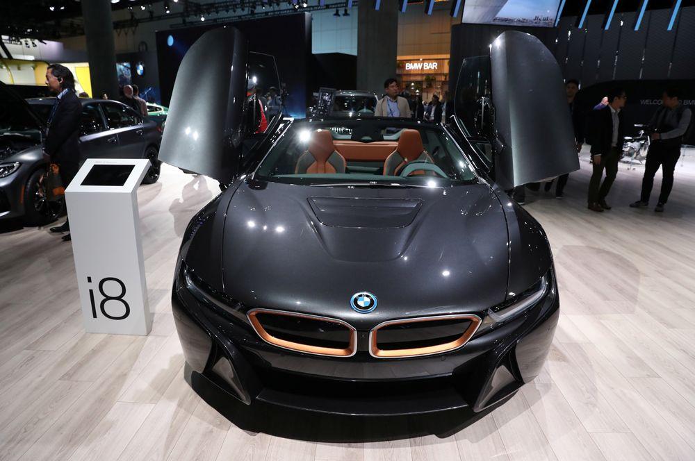 Спортивное купе BMW i8.