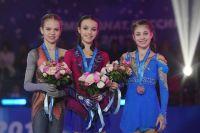 Призеры чемпионата России по фигурному катанию Александра Трусова, Анна Щербакова и Алёна Косторная.