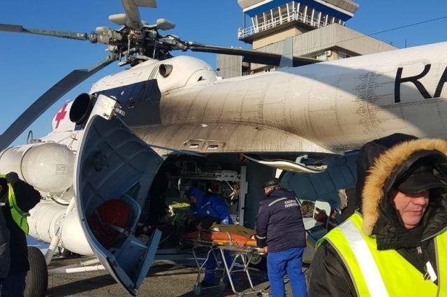 Вертолет санациации доставил в Оренбург троих орчан.