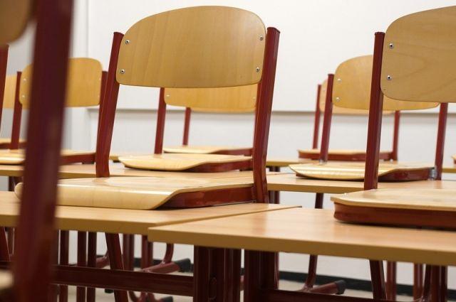 В Оренбурге часть школ закрыта на карантин из-за пневмонии.