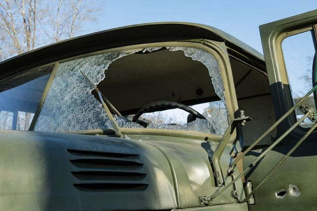 В Донецкой области военный автомобиль украинской армии подбили ракетой