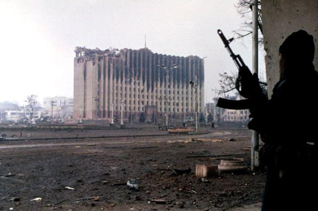 Президентский дворец в Грозном в январе 1995 года.