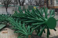 Новый год-2020: на Софийской площади в столице начали устанавливать елку