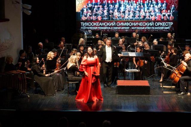 Публика благосклонно приняла и сложную симфонию, и лёгкие оперетты.