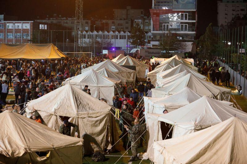 Временный лагерь для пострадавших в Дурресе.