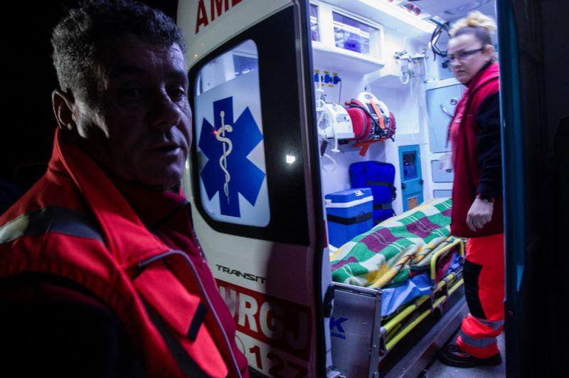Работа медиков после землетрясения в Тумане.