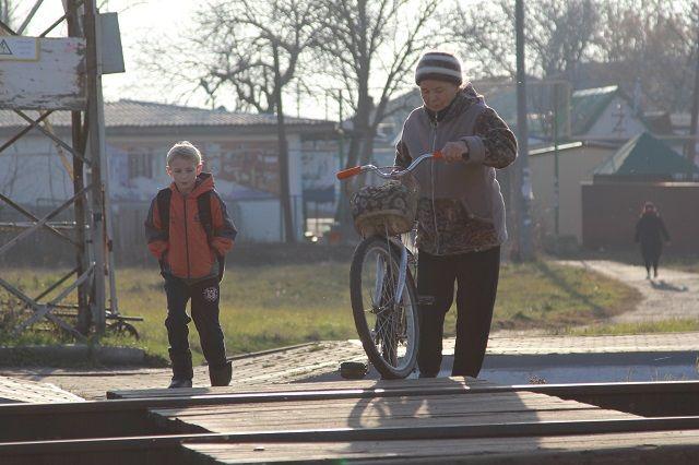 Через Мальчевскую сегодня идет только одна электричка - рано утром и поздно вечером.