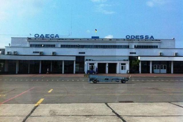 В аэропорту «Одесса» самолет совершил аварийную посадку: что известно