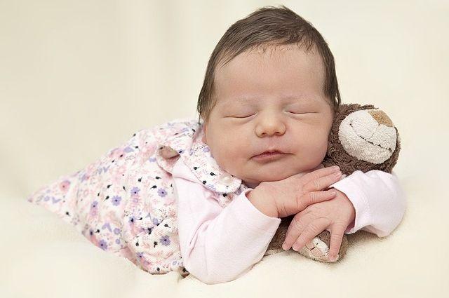 В Тюменской области в ноябре задерживаются выплаты на первого ребенка