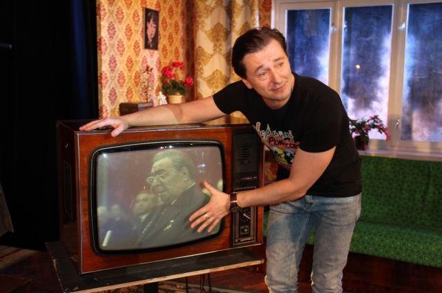 Экскурсия от Сергея Безрукова по театральным декорациям была очень эмоциональной.
