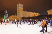 Центром торжеств по традиции станет площадь Ленина, где установят главную городскую ёлку.