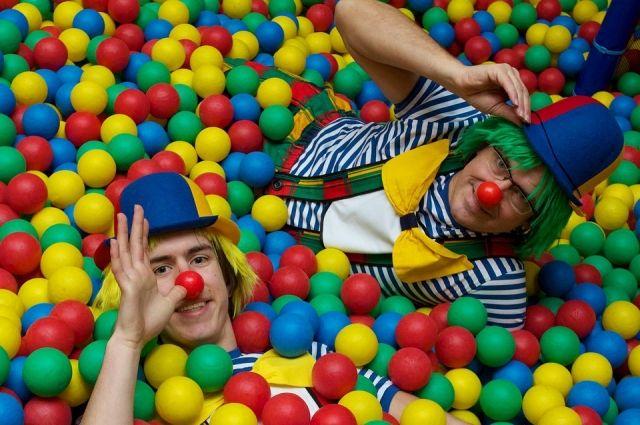 Возле цирка Удмуртии установят двухметровую статую клоуна