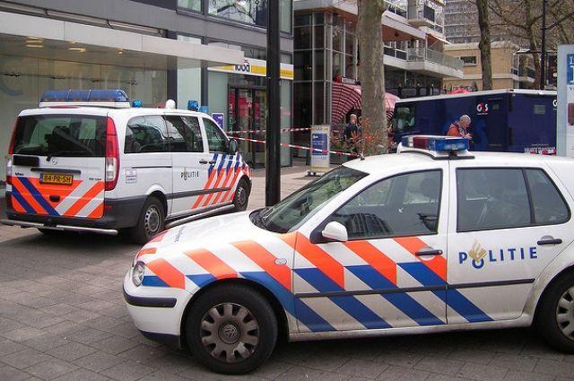 ВГааге вооруженный ножом мужчина напал напрохожих